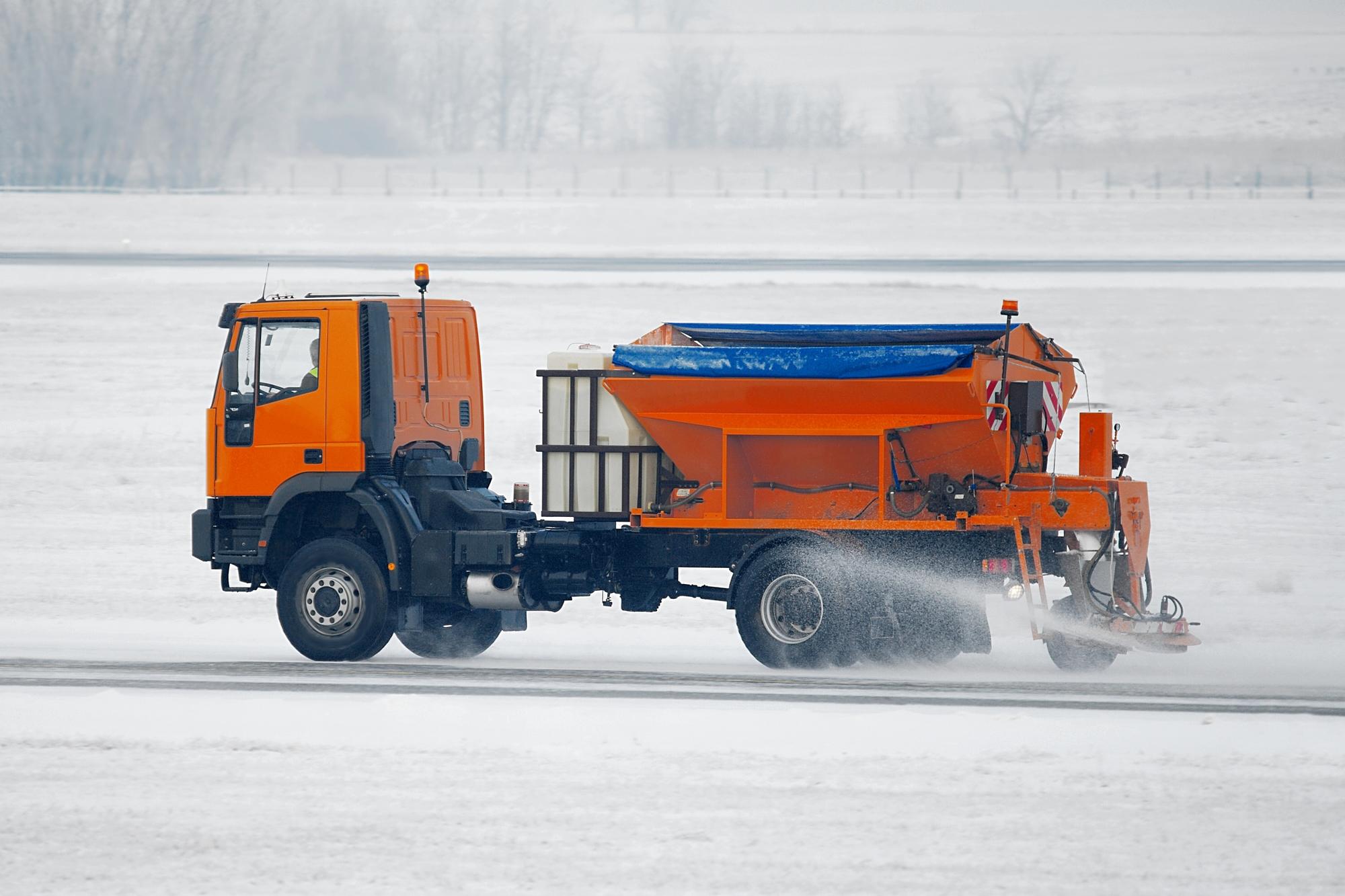 strooizout-auto-schade-winter-wasstraat